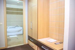 Hotel Vila Aeroport, Отели  Ринас - big - 2