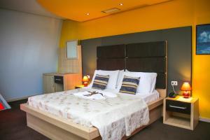 Hotel Vila Aeroport, Отели  Ринас - big - 18