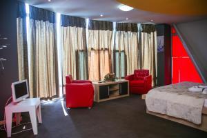 Hotel Vila Aeroport, Отели  Ринас - big - 30