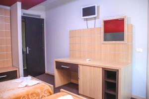 Hotel Vila Aeroport, Отели  Ринас - big - 24