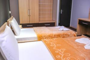 Hotel Vila Aeroport, Отели  Ринас - big - 23