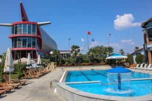 Hotel Vila Aeroport, Отели  Ринас - big - 37