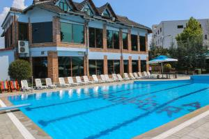Hotel Vila Aeroport, Отели  Ринас - big - 8