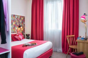 2 Adjacent Comfort Rooms