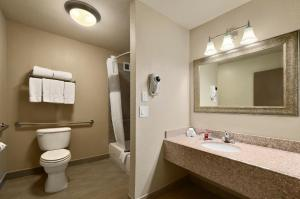 King Suite with Kitchenette - Disability Access - Non-Smoking