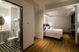 Premier Triple Room with First Club Access