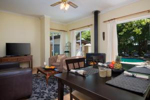 Just Unwind, Apartmány  Somerset West - big - 32