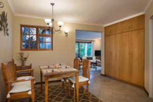 Just Unwind, Apartmány  Somerset West - big - 30