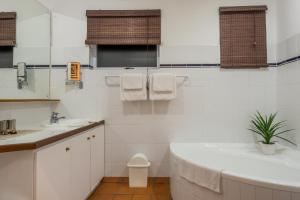 Just Unwind, Apartmány  Somerset West - big - 22