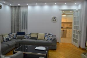 White Apartment, Appartamenti  Batumi - big - 20