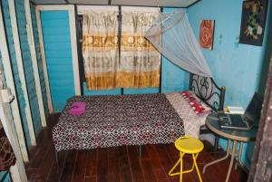 Single Room with Fan and Shared Bathroom