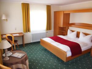Hotel Fidelitas, Гостевые дома  Бад-Херренальб - big - 10