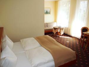 Hotel Fidelitas, Гостевые дома  Бад-Херренальб - big - 8
