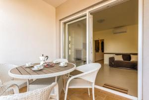 Family Friendly Apartment Near The Sea, Apartments  Banjole - big - 24