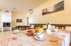 Family Friendly Apartment Near The Sea, Apartments  Banjole - big - 19