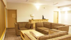 Classic Luxury Service Apartments, Hotely  Visakhapatnam - big - 14