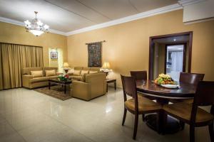 Ramada Hotel & Suites, Szállodák  Dammam - big - 21