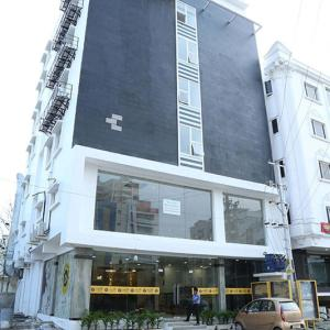 Falcons Nest Lariviera, Hotel  Hyderabad - big - 24