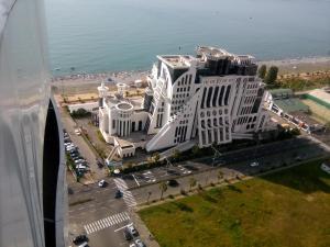 Apartment at Lemurya Orbi Residence, Apartmány  Batumi - big - 18