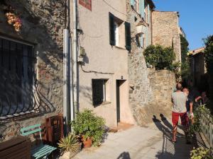 Ferienhaus in der Altstadt von Grimaud, Дома для отпуска  Гримо - big - 26