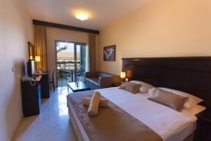 Blue Waves Resort, Hotels  Malinska - big - 46