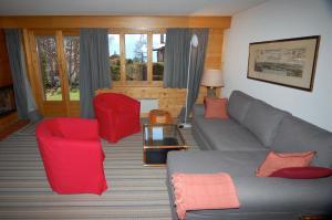 Three-Bedroom Apartment Botzatei 002, Apartmány  Verbier - big - 5