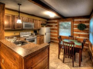 Honeymoon Hideaway Home, Dovolenkové domy  Bryson City - big - 7