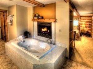Honeymoon Hideaway Home, Dovolenkové domy  Bryson City - big - 11