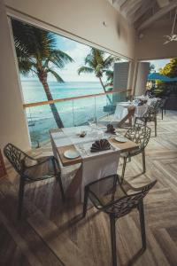 Carana Beach Hotel (6 of 35)