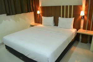 City Hotel, Szállodák  Tasikmalaya - big - 5