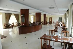 Mawlamyaing Strand Hotel, Hotels  Mawlamyine - big - 20