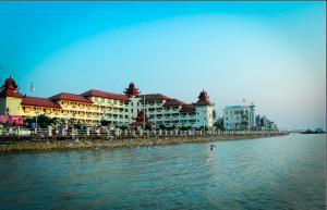 Mawlamyaing Strand Hotel, Hotels  Mawlamyine - big - 32
