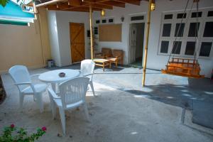 Alimas Inn, Penziony  Thoddoo - big - 11