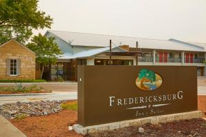 Fredericksburg Inn and Suites, Hotel  Fredericksburg - big - 38