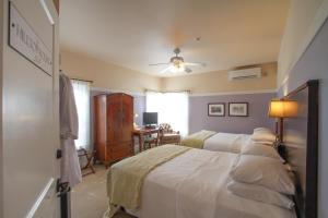 Beach Spa Bed & Breakfast, Bed and Breakfasts  Virginia Beach - big - 36