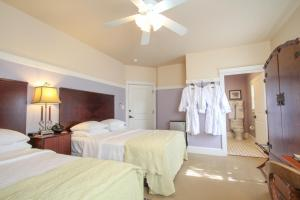 Beach Spa Bed & Breakfast, Bed and Breakfasts  Virginia Beach - big - 47