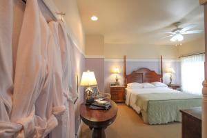 Beach Spa Bed & Breakfast, Bed and Breakfasts  Virginia Beach - big - 43