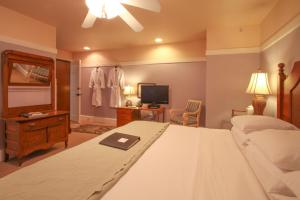 Beach Spa Bed & Breakfast, Bed and Breakfasts  Virginia Beach - big - 32