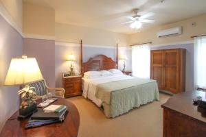 Beach Spa Bed & Breakfast, Bed and Breakfasts  Virginia Beach - big - 33