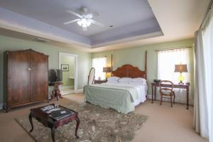 Beach Spa Bed & Breakfast, Bed and Breakfasts  Virginia Beach - big - 49