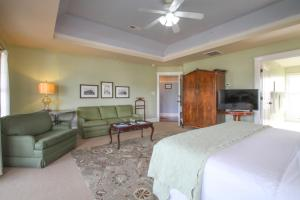 Beach Spa Bed & Breakfast, Bed and Breakfasts  Virginia Beach - big - 15