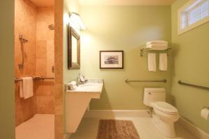 Beach Spa Bed & Breakfast, Bed and Breakfasts  Virginia Beach - big - 38