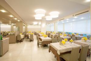 Hotel Montreal, Hotely  Bibione - big - 61