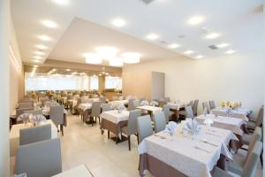 Hotel Montreal, Hotely  Bibione - big - 34