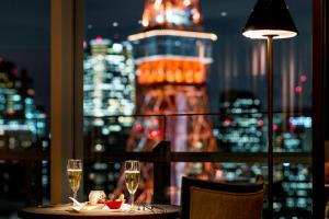 Premium Floor Corner King Room with Tokyo Tower View - Non-Smoking - with Club Lounge Access