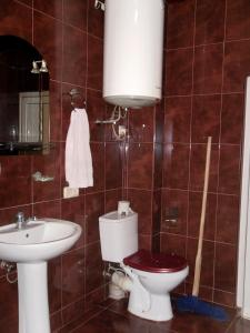 Kaxa apartment on Agmashenebeli 15, Apartmány  Batumi - big - 10