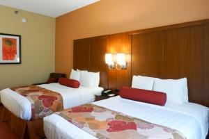 Queen Room with Two Queen Beds with Kitchenette - Non-Smoking