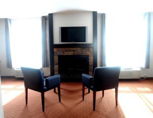 Executive Suite - King, Sofa Bed, Jacuzzi - Fireplace - Non Smoking