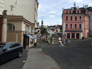 Apartment Veronika 2, Apartments  Karlovy Vary - big - 23