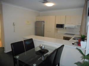 Beaches Serviced Apartments, Aparthotels  Nelson Bay - big - 76